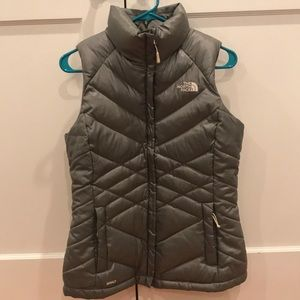 North face 550 silver/grey down vest